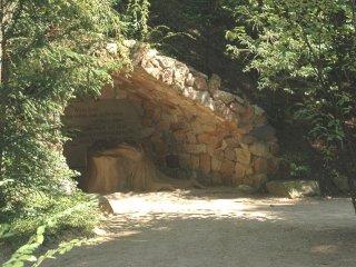 ゲッセマネの園の洞窟