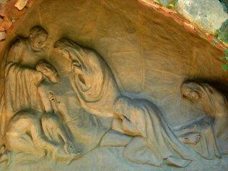 埋葬されるイエス